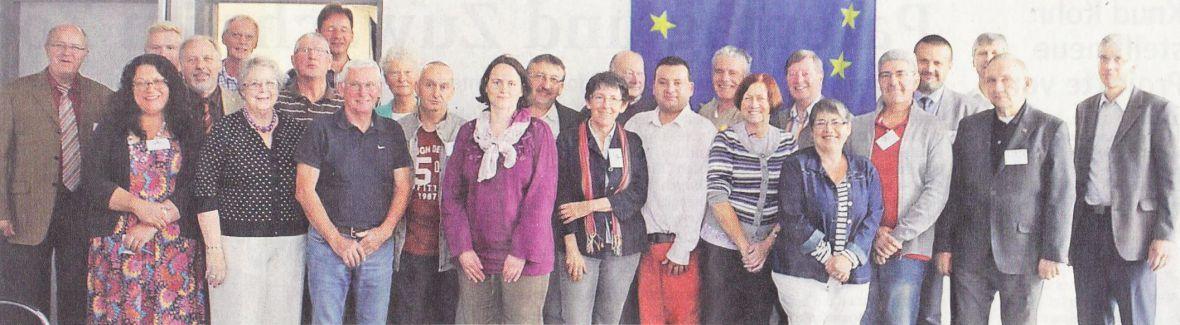 Gedankenaustausch: Deutsche, Engländer und Franzosen trafen sich zum Arbeitsgespräch im Rathaus Hemmoor Foto: Grewe