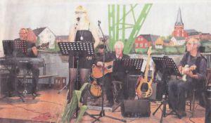 """Die Lehrer-Band der Hemmoorer Musikschule an der Oste sorgte für einen stimmungsvollen Auftakt des Europa-Abends im """"Osteland Festhaus"""" Foto: Grewe"""
